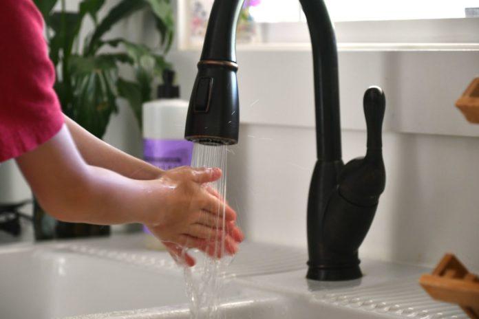 robinet pression d'eau