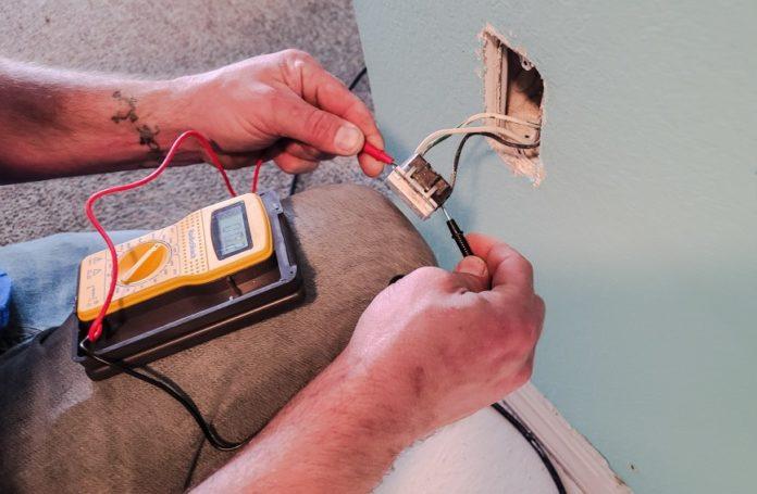artisans électriciens